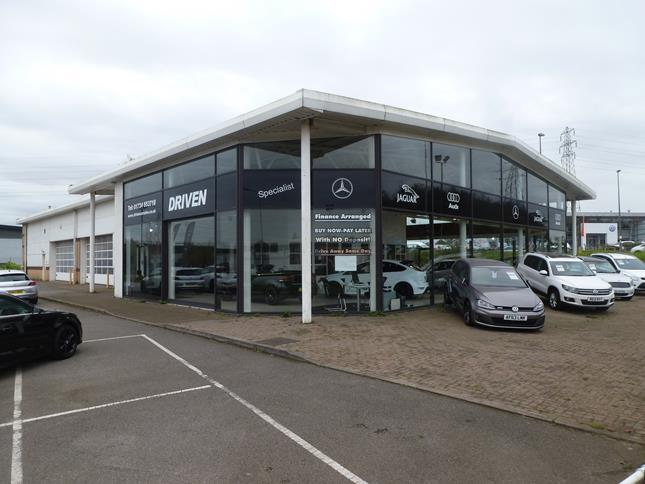 Motor Showroom Premises Normamnby Road/Mannaberg Way, Scunthorpe, North Lincolnshire, DN15